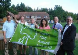 Councillors Goodall, House, Tennent, Bloom, Kyrle and Pretty celebrate Green Flag Award