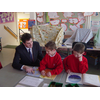 David Goodall visiting children at Townhill Infants School